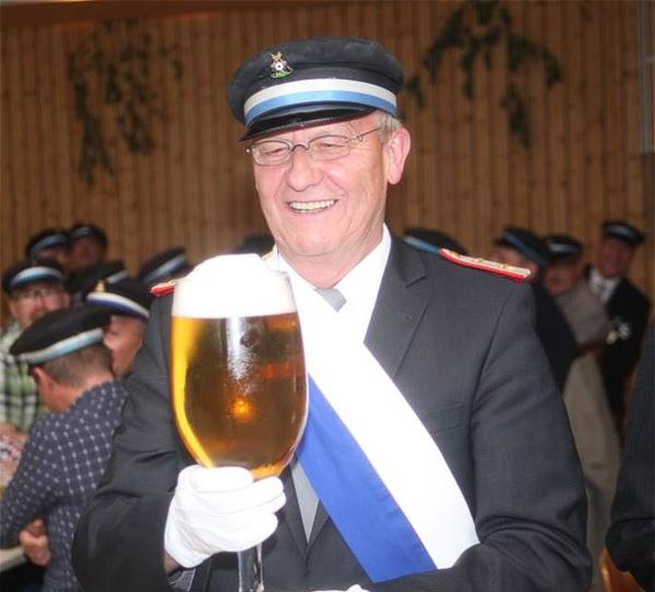 Ein Pokal für Ulrich Lüke